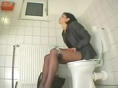 My cousin visiting us masturbates in toilet. Hidden cam tube porn video