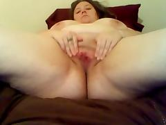 BBW toying with hairbrush on cam tube porn video
