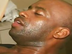 midget fucking a big black dude tube porn video