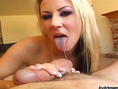 Carolyn Reese shows her big natural tits and gives a hot blowjob tube porn video