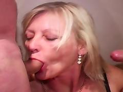 Older mature wife does bukkake tube porn video