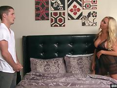 Bimbo mommy Nikki Benz seduces his big cock into her pussy tube porn video