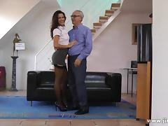 Hardcore fucking doggystyle for a nasty brunette bitch Samia tube porn video