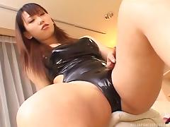 A good Japanese secretary gives her boss a messy footjob tube porn video