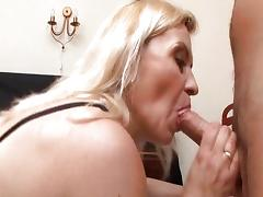 Mature Likes A Facial.1 tube porn video