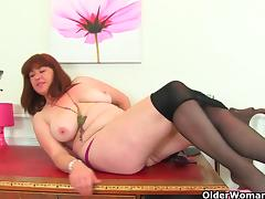British milf Janey works her hairy pussy tube porn video