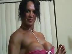 FEMALE BODYBUILDER RHONDA, POSES, TOYS, AND FUCKS tube porn video