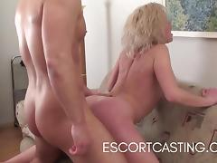 Casting Blonde Escort Gives Client Great GFE and PSE tube porn video