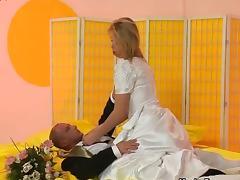 Groom fucks his delicious bride tube porn video
