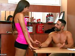 Cindy's personal trainer fucks her to help her stay in shape tube porn video