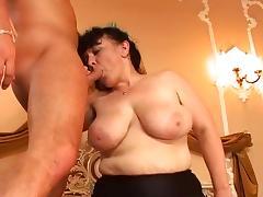 Hairy Mature maid tries threesome tube porn video