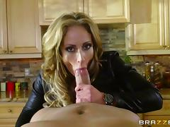 MILF is arrested, handcuffed then fucked by the cops tube porn video