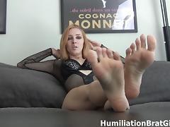 Worship Richelle Ryan's feet tube porn video