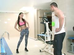 Gym chick in amazing spandex pants fucked hard tube porn video