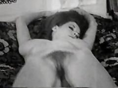 striptease on bed - circa 50s tube porn video