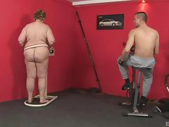 Muscular guy pushes his sausage into depths of a fat bimbo tube porn video