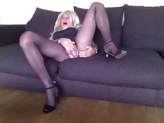 Sexy crossdresser playing on couch tube porn video