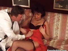 Mature slut gets tight asshole fucked tube porn video