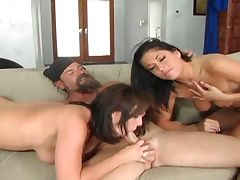 Brunette bitches blow dude's dong tube porn video