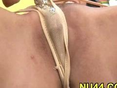 Hottie sucks big penis tube porn video