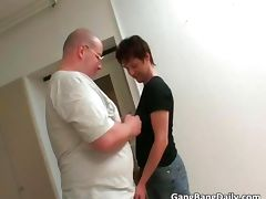 Bald guy rubbing pussy with dildo tube porn video