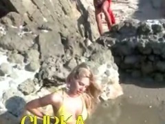 Blonde girl undress on the beach tube porn video