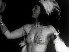 Burlesque Beauty's Teasing Dance with Birds 1940 tube porn video