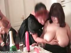 Horny experienced woman grabs some part2 tube porn video