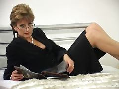 In bed with a hot milf Sonia tube porn video