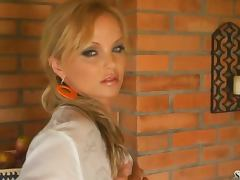 Hot afternoon striptease by a fiery blond Silvia Saint tube porn video