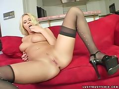 Horny Riley Evans gives deepthroat blowjob and gets pounded tube porn video