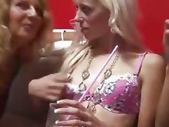 Fiesta liberal orgia con parejas jovenes y maduras tube porn video