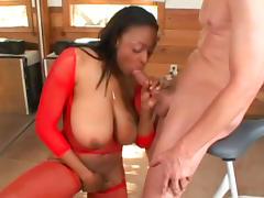 Ebony Carmen Hayes is demonstrating her boobies tube porn video
