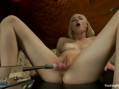 Close up video with Rylie Richman getting toyed by a machine tube porn video
