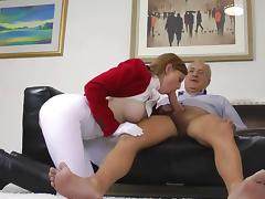 Amateur stockings babe gets a hot creampie tube porn video