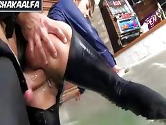 trio con en hermosas culona en el jacuzzi tube porn video