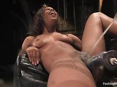 Marie Luv a difficulty slim ebony girl uses a difficulty having it away tool tube porn video