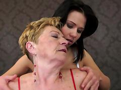 Granny Denise Sky kisses brunette Malya tube porn video