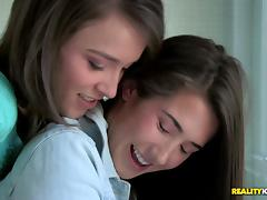 WeLiveTogether - A womans touch tube porn video
