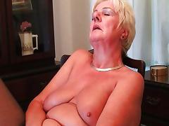 Full figured granny masturbates with a dildo tube porn video