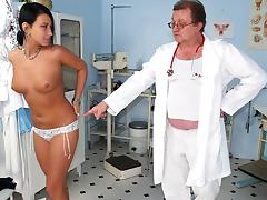 Czech babe Carmen Blue pussy spreader check up tube porn video