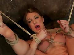 Amy Brooke gets her clit pumped and her snatch fingered tube porn video