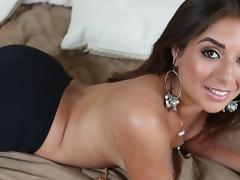 Tanned milf Jynx Maze is sucking a nice cock tube porn video