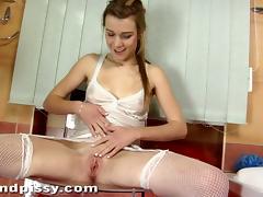 Splendid Liz Masturbates And Pisses Herself In A Solo Model Clip tube porn video