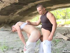 Martin Love Goes Really Hardcore With Samuel Outdoors tube porn video