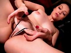 This foxy bitch has no fears about anyone seeing her body and letting... tube porn video