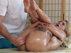 Stunning Cameron Canada Gets A Sweet Massage From Ramon tube porn video