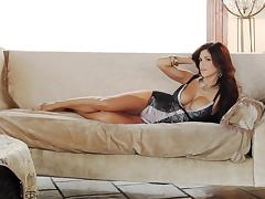 Brunette babe Meghan Nicole poses for the cam in her birthday suit tube porn video