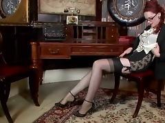 Redhead,hairy fanny,black stockings...nuff said tube porn video